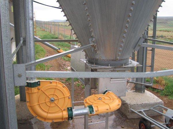 Conexión de silo al automático de reparto con cadena de arrastre