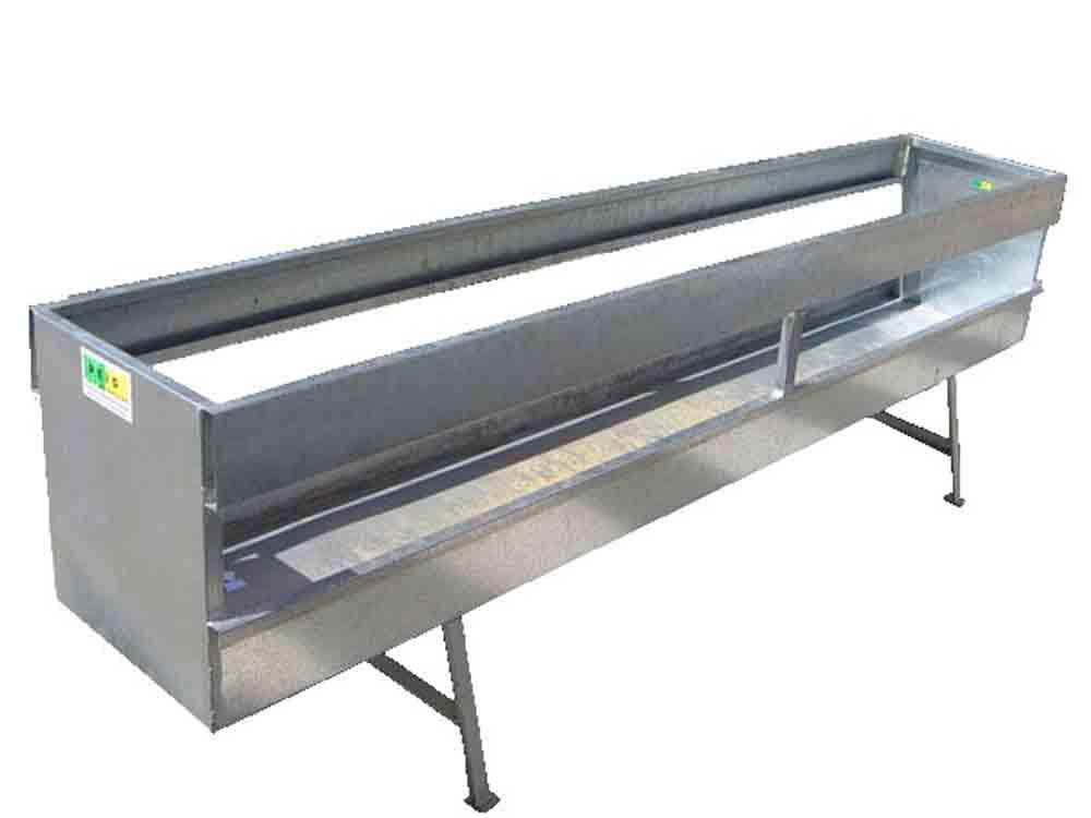 Forrajera para ganado ovino con medidas personalizadas fabricada en chapa galvanizada