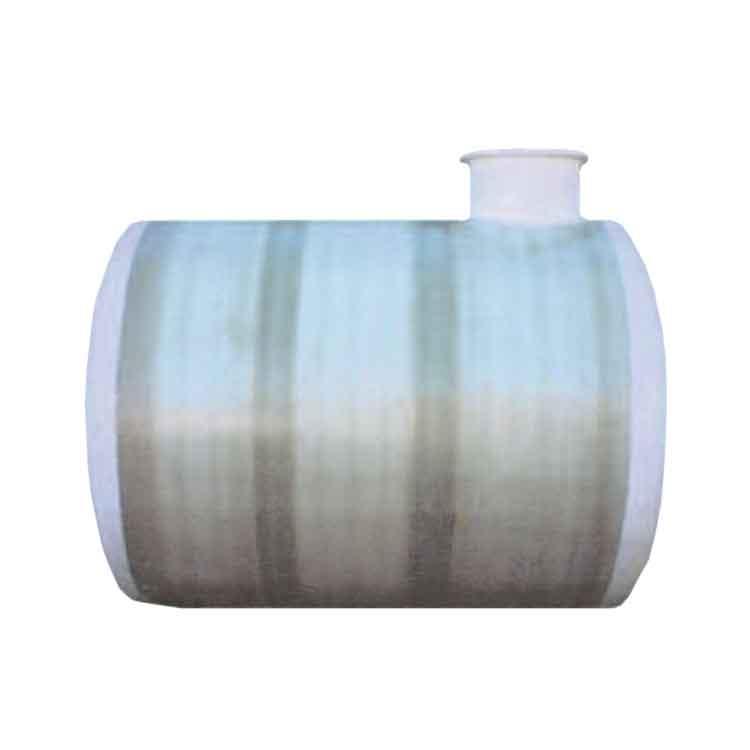 Los mejores depósitos de agua del mercado en fibra de vidrio. Óptima gestión en almacenamiento de agua para producción animal en granjas, riegos agrícolas e instalaciones industriales.