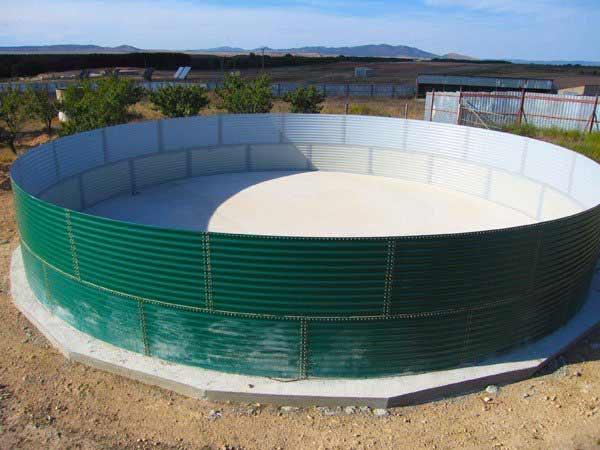 depósito para agua casi terminado el montaje
